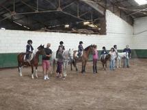 Sortie au poney club pour les élèves de moyenne section